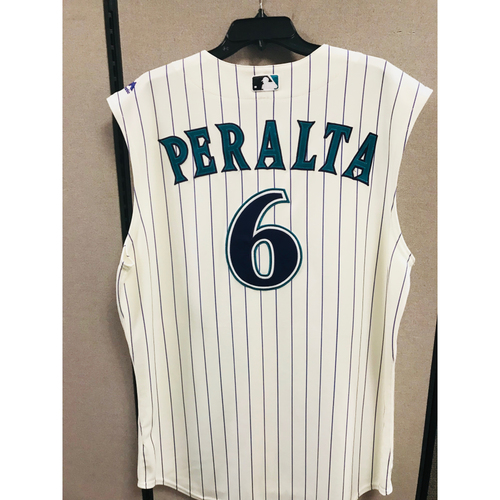 Photo of 2017 David Peralta Game-Used Jersey