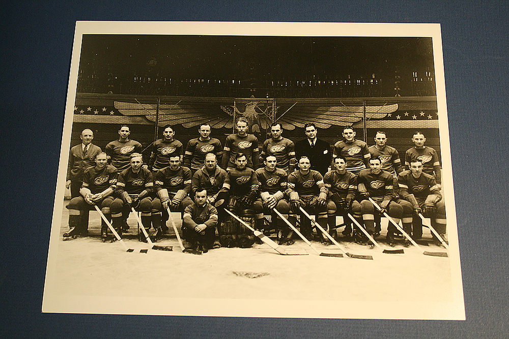 VINTAGE Detroit Red Wings 1933-1934 Team Photo