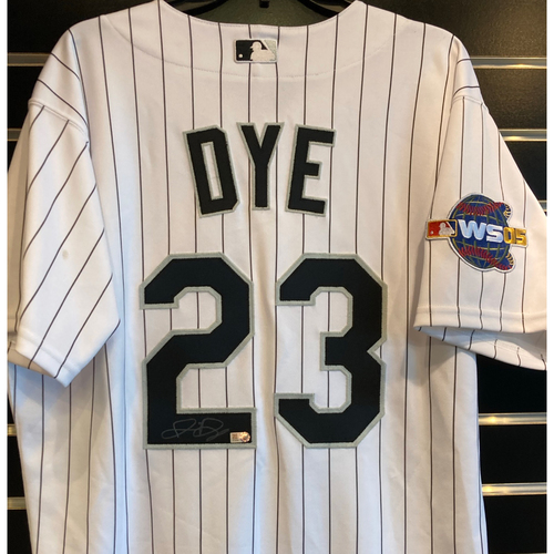 Photo of Jermaine Dye Autographed Jersey with 2005 World Series Patch - Size 44