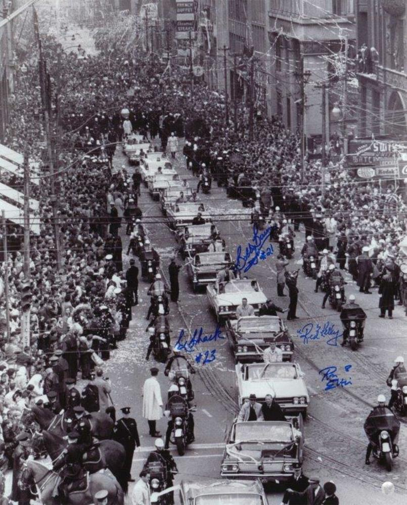 Toronto Maple Leafs Multi Signed 16x20 Unframed Parade-Ron