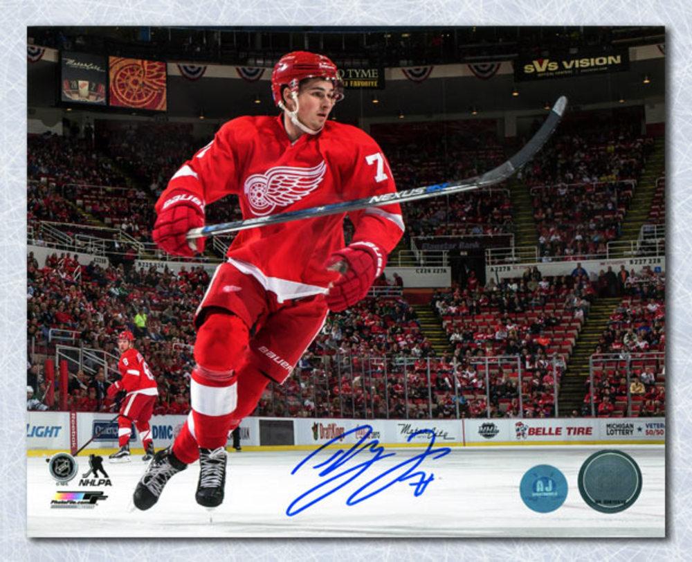 Dylan Larkin Detroit Red Wings Autographed Joe Louis Arena Hockey 8x10 Photo