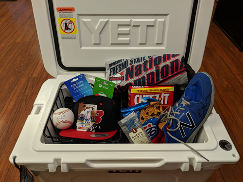 Photo of Player's Favorite Things Auction -- Justin Wilson Basket