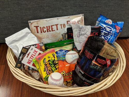 Photo of Player's Favorite Things Auction -- Team Basket