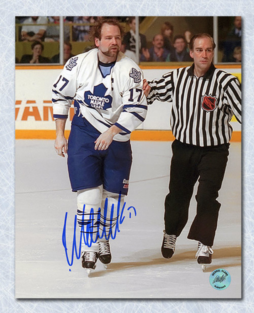 Wendel Clark Toronto Maple Leafs Autographed Captain Crunch 8x10 Photo