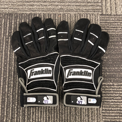 Photo of San Francisco Giants - Team Issued Batting Gloves - #57 Dereck Rodriguez