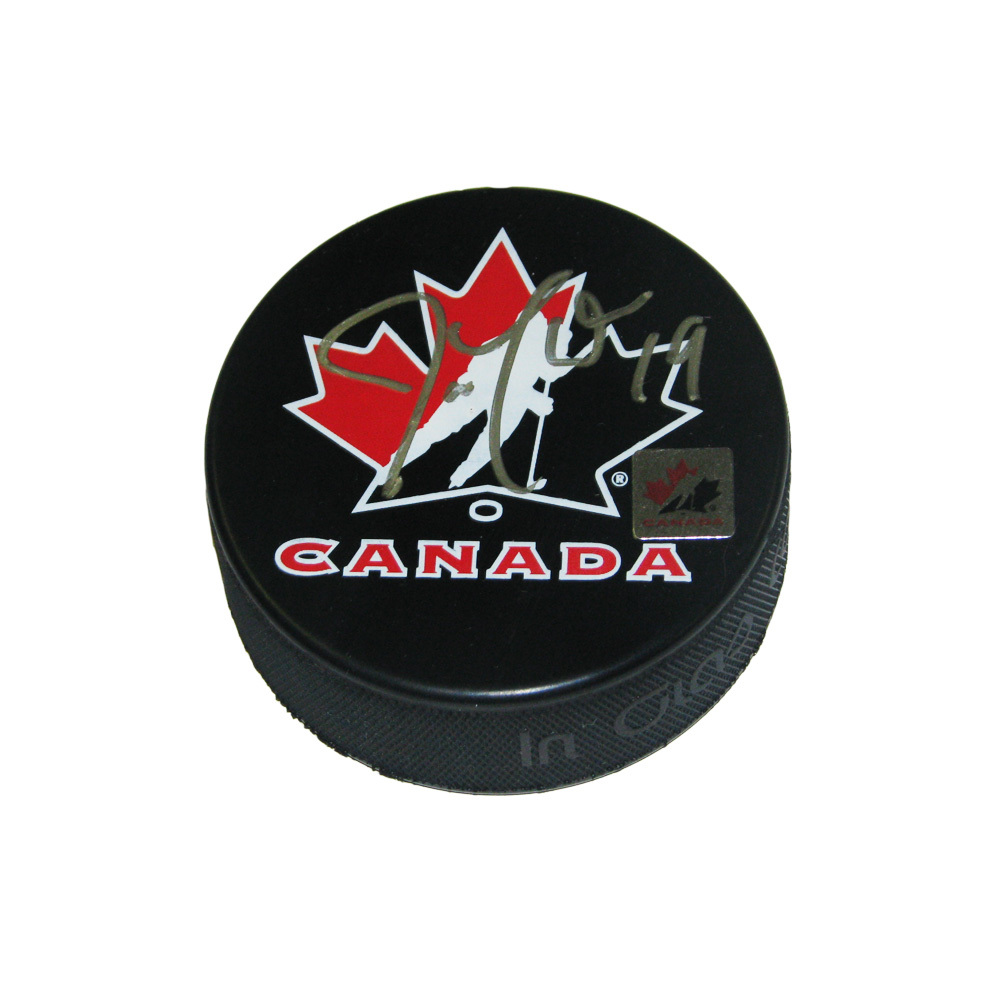 JOE THORNTON Signed Team Canada Logo Puck