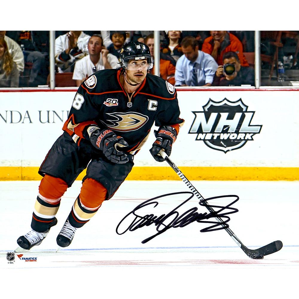 Teemu Selanne Anaheim Ducks Autographed 8