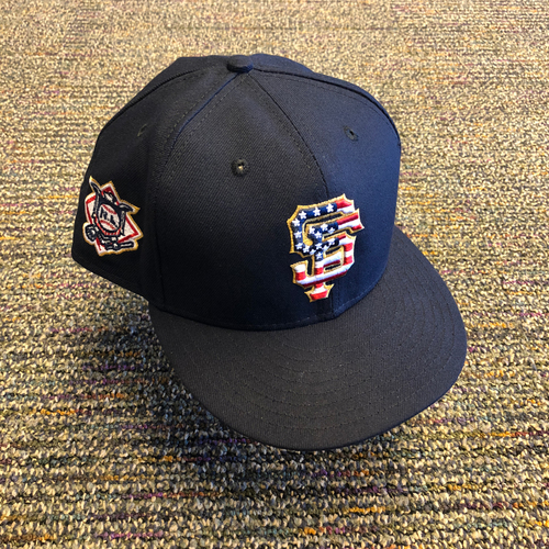 Photo of San Francisco Giants - 2018 Game-Used 4th of July Cap worn by #15 Bruce Bochy - Size 8 1/8