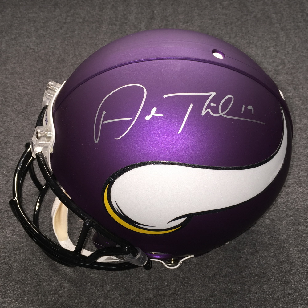 NFL - Vikings Adam Thielen signed Vikings proline helmet