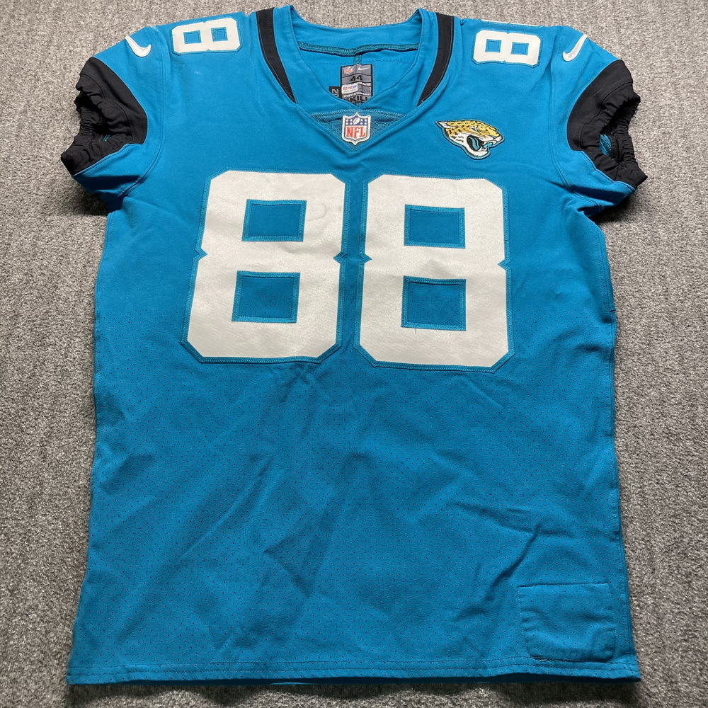 Crucial Catch - Jaguars Tyler Eifert Game Used Jersey (10/18/20) Size 44