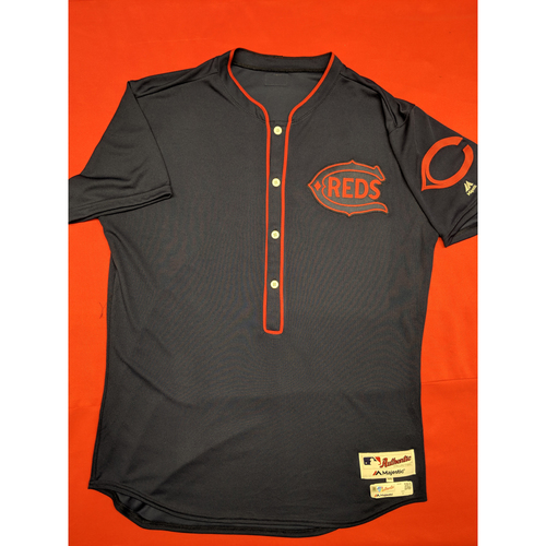 Jose Peraza -- Game-Used Jersey/Pants -- 1911 Throwback worn 5/5/19 (Starting 2B, 1-for-4) -- Jersey Size - 46; Pants Size - 35-44-20
