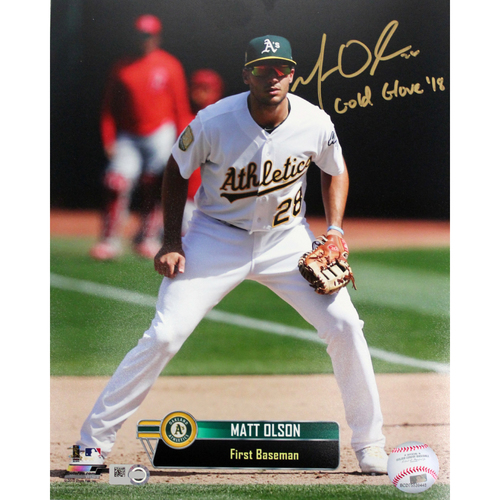 "Photo of Matt Olson Autographed 8""x10"" Photo w/ ""Gold Glove '18"" Inscription"