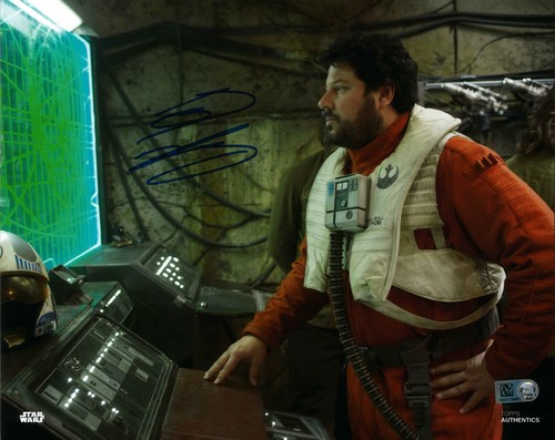PREORDER Greg Grunberg As Snap Wexley 8x10 Autographed In Blue Ink Photo