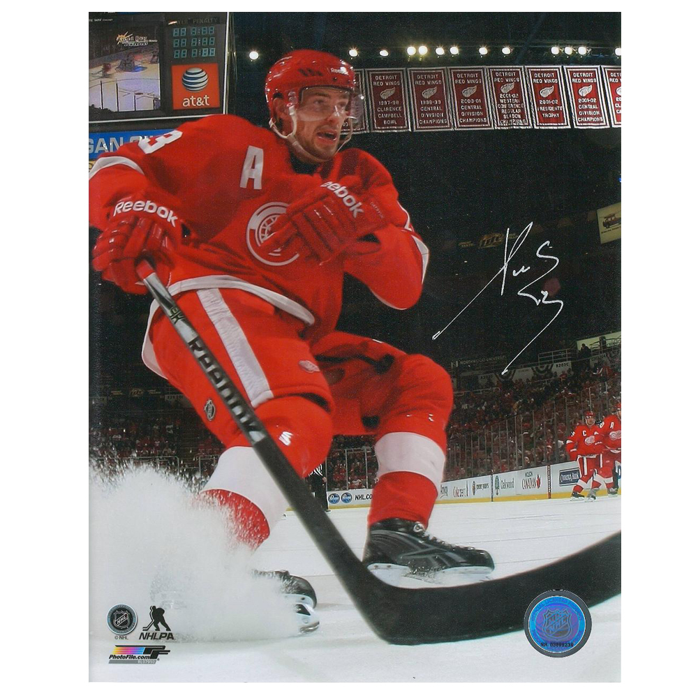 Pavel Datsyuk Signed Detroit Red Wings 8 X 10 Photo - 70374 A