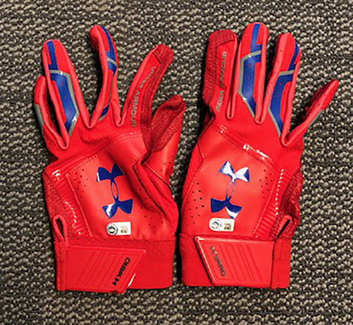 Photo of Willson Contreras Team-Issued Batting Gloves -- 2019 Season