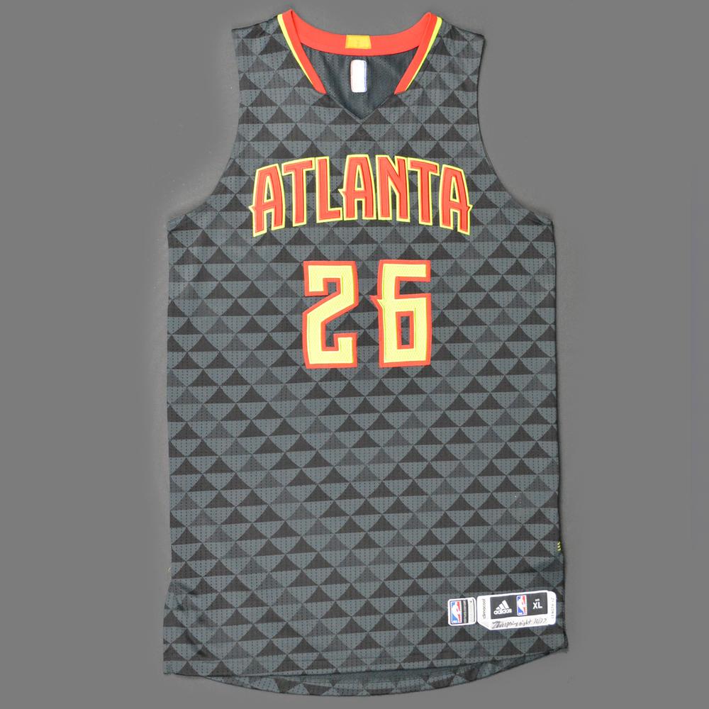 hot sale online caf38 46398 Kyle Korver - Atlanta Hawks - Game-Worn Jersey - Kia NBA Tip ...