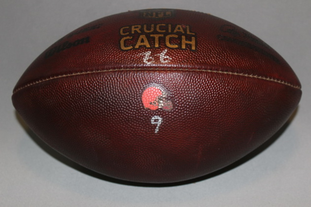 CRUCIAL CATCH - BROWNS GAME USED FOOTBALL W/ CRUCIAL CATCH AND TEAM LOGO (OCTOBER 8, 2017)