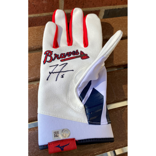 Photo of Freddie Freeman MLB Authenticated Autographed (XL) Batting Glove