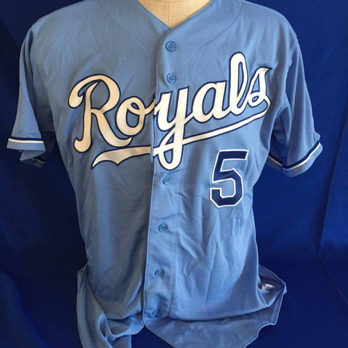 Photo of UMPS CARE AUCTION: George Brett Signed Jersey - Size 46 - Not MLB Authenticated