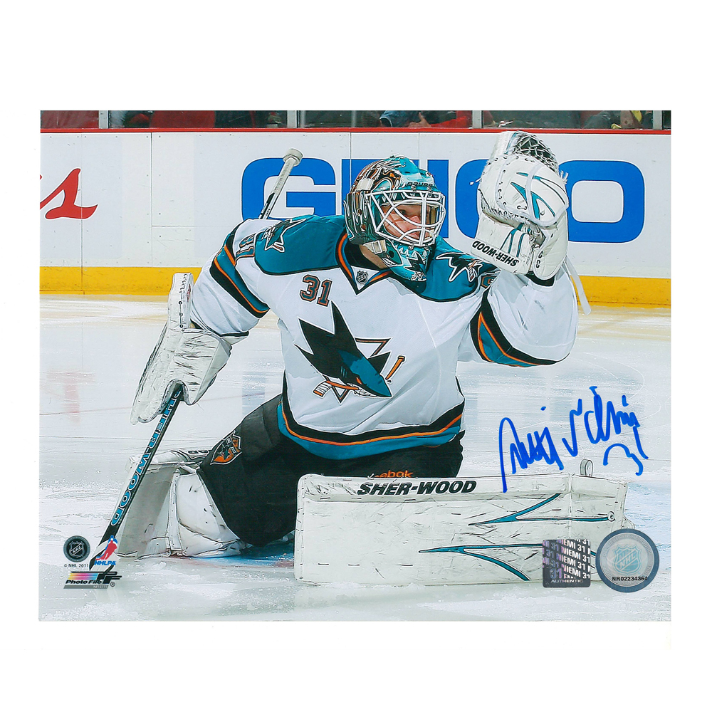 ANTTI NIEMI Signed San Jose Sharks 8 X 10 Photo - 70486