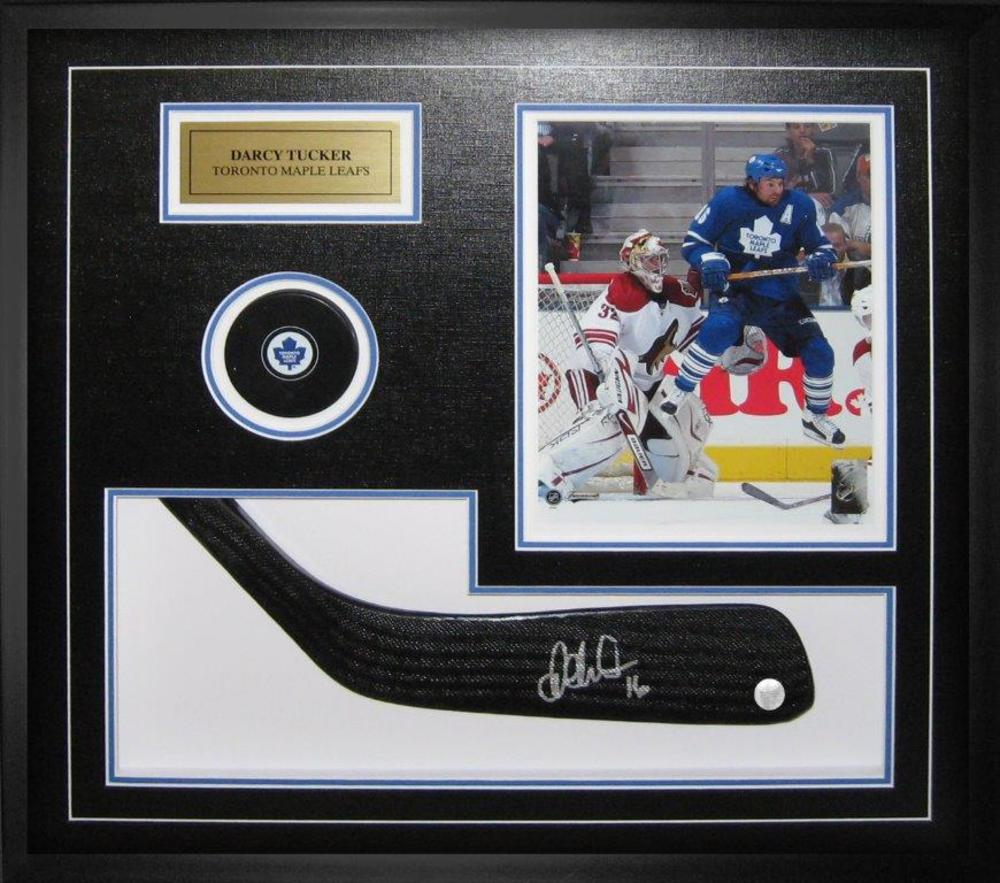 Darcy Tucker Signed Stickblade Leafs with Puck / 8x10