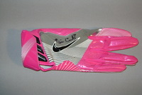 BCA - CHIEFS CHRIS CONLEY GAME ISSUED AND SIGNED GLOVE (OCTOBER 23 2016)