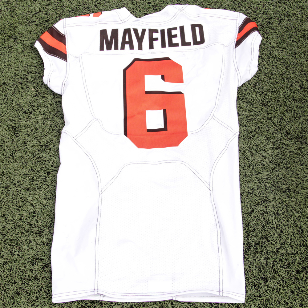 baker mayfield game used jersey