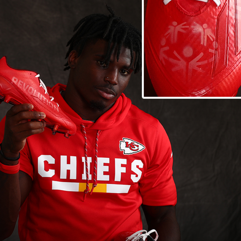 MY CAUSE MY CLEATS - Chiefs Tyreek Hill CUSTOM CLEATS (Week 13 2017)