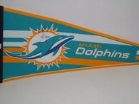 DOLPHINS - GREG JENNINGS SIGNED DOLPHINS PREMIUM PENNANT (CREASES ON PENNANT)