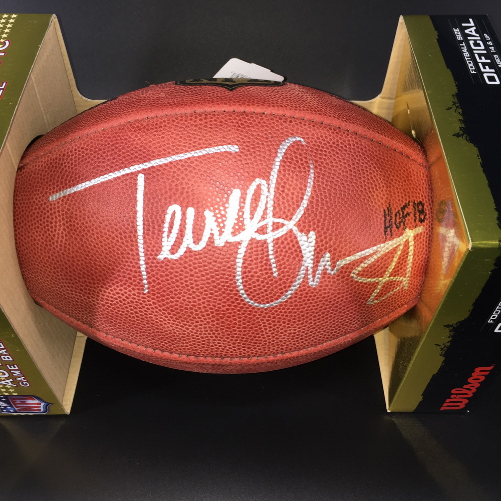 PCC  - Terrell Owens Signed Autherntic Football w/ HOF 18 Inscription