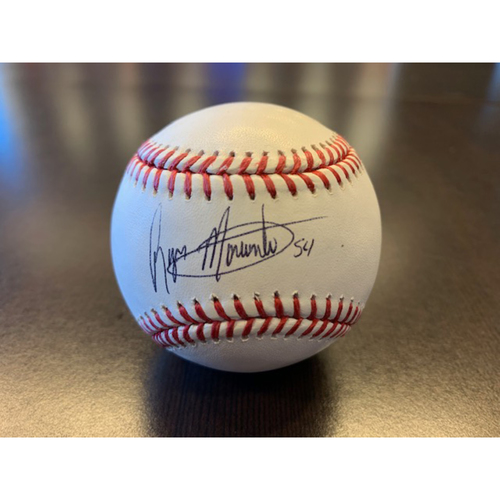 Photo of Giants Wives Auction: Reyes Moronta Autographed Baseball