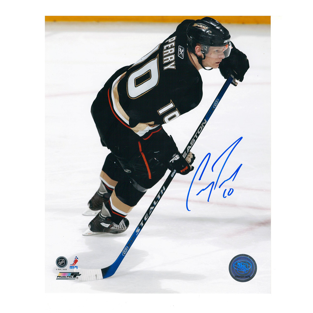 COREY PERRY Signed Anaheim Ducks 8 X 10 Photo - 70080