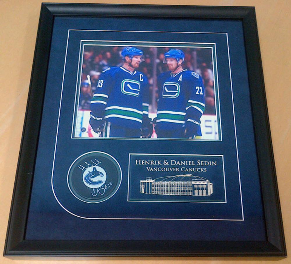 HENRIK & DANIEL SEDIN Vancouver Canucks DUAL SIGNED Puck & Photo Frame
