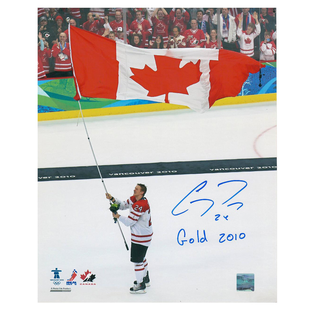 COREY PERRY Signed Team Canada 2010 8 X 10 Photo with Gold 2010 Inscription - Anaheim Ducks - 70314 B