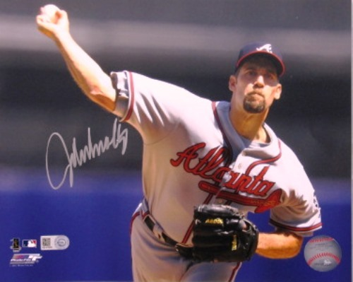 Photo of John Smoltz Braves Autographed 16x20