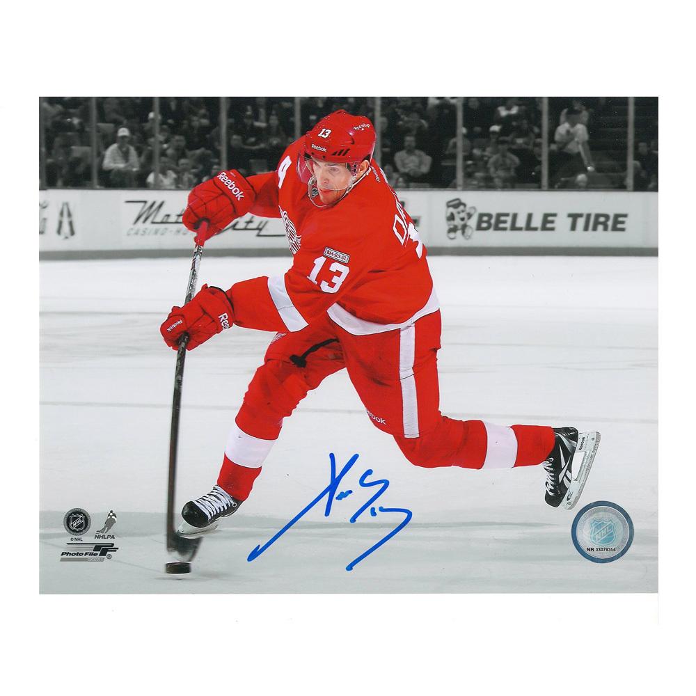 PAVEL DATSYUK Signed Detroit Red Wings 8 X 10 Photo - 70100
