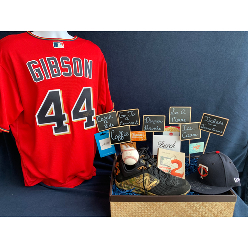 Photo of 2019 Twins Favorite Things Auction: Kyle Gibson Favorite Things Basket