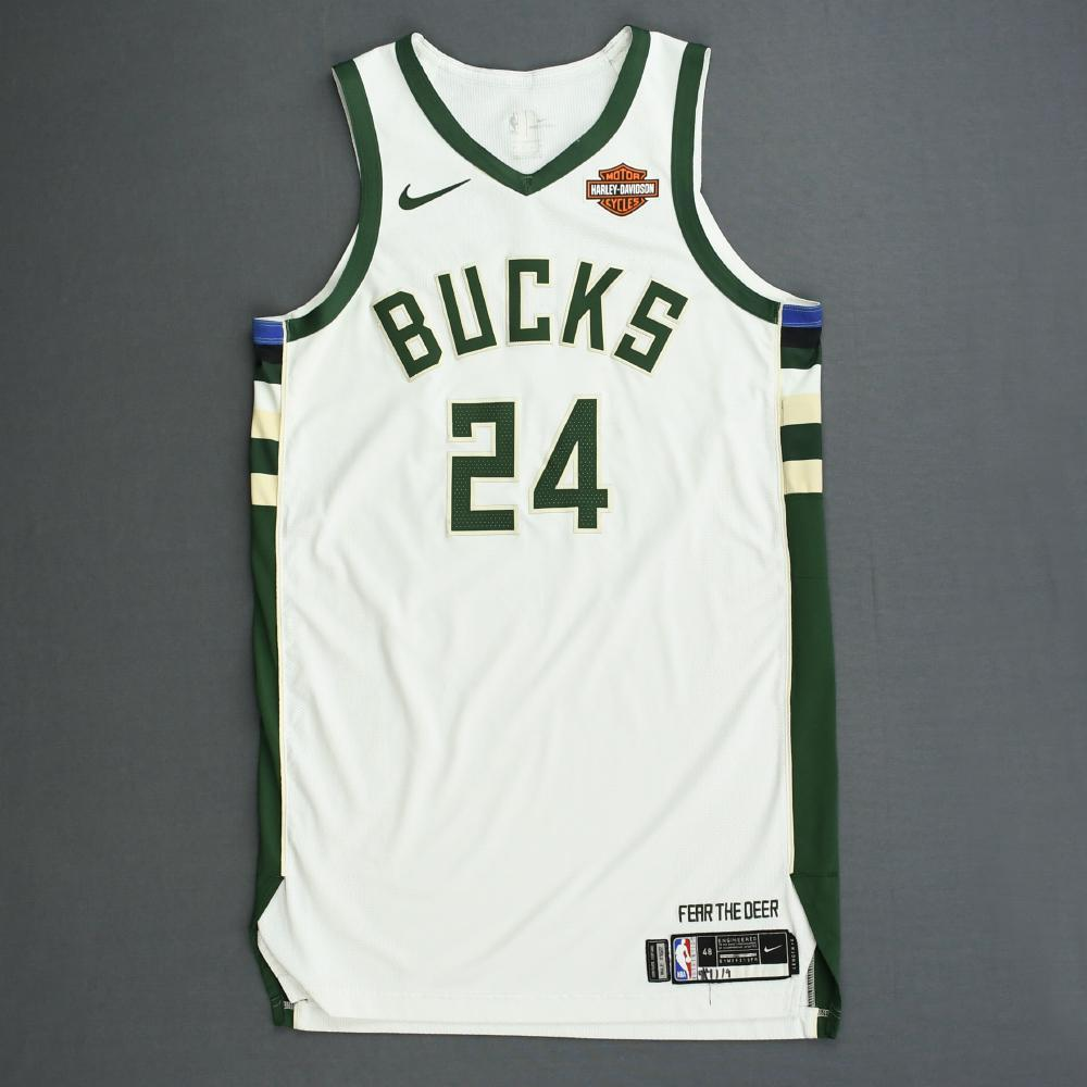 pat connaughton jersey