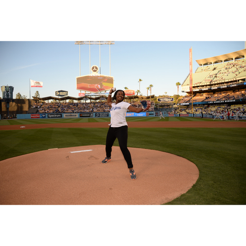 Photo of LA Dodgers Foundation: Throw Out the First Pitch Experience