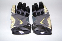 STS - RAVENS MATT ELAM GAME WORN GLOVES (NOVEMBER 2016)