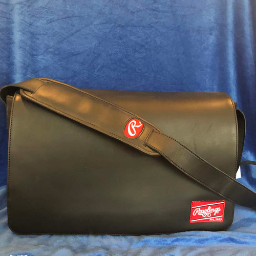 Photo of UMPS CARE AUCTION: Rawlings Black Rawlings Heart of the Hide Messenger Bag