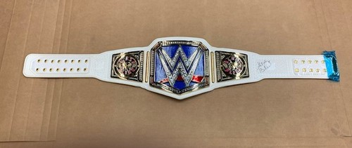 Photo of Alexa Bliss SIGNED WWE SmackDown Women's Championship Replica Title w/ Side Plates