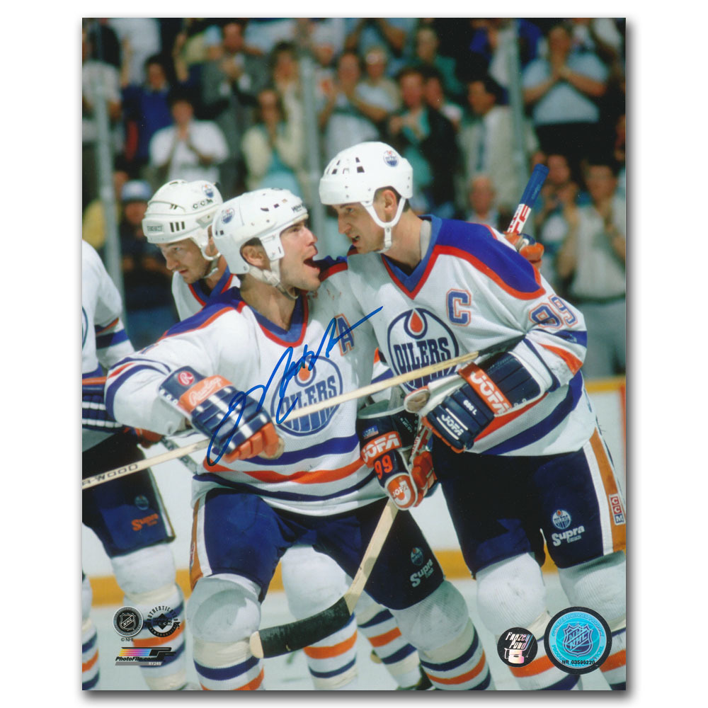 Mark Messier Autographed Edmonton Oilers 8X10 photo