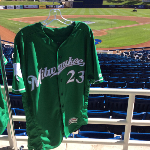 Photo of Keon Broxton 2018 Team-Issued St. Patrick's Day Jersey