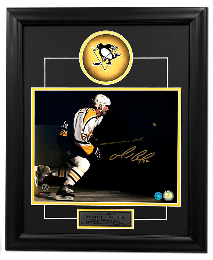 Mario Lemieux Pittsburgh Penguins Autographed Hockey Spotlight 19x23 Frame