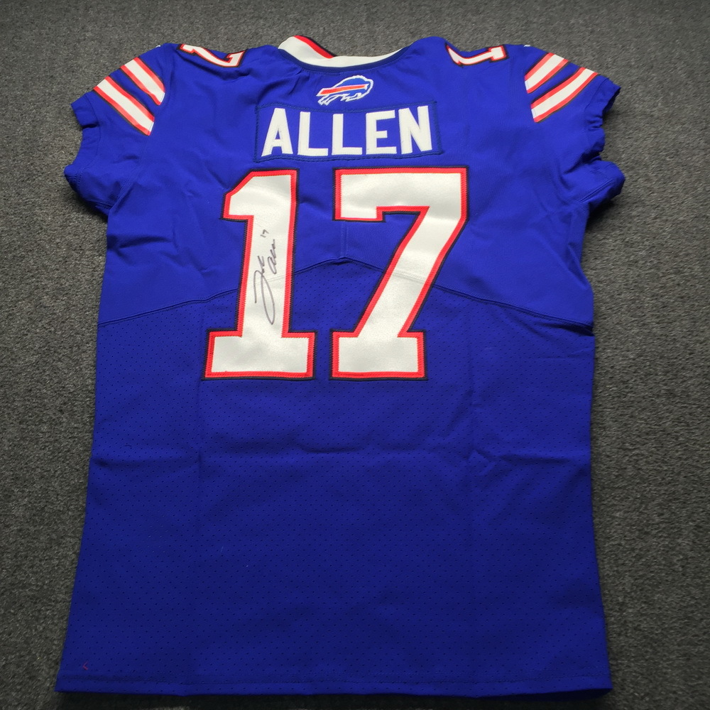 NFL Auction   Bills - Josh Allen Signed Jersey Size 44