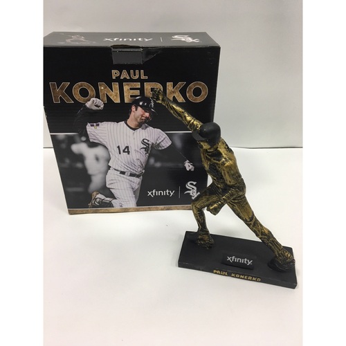 Photo of Paul Konerko Statue