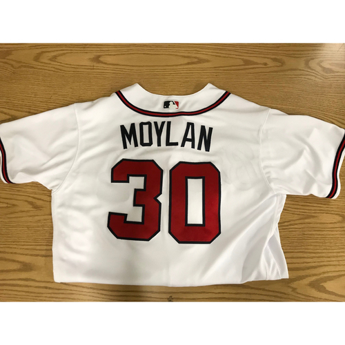 Photo of Peter Moylan Game-Used 2018 Opening Day Jersey - Braves Walk-Off Win