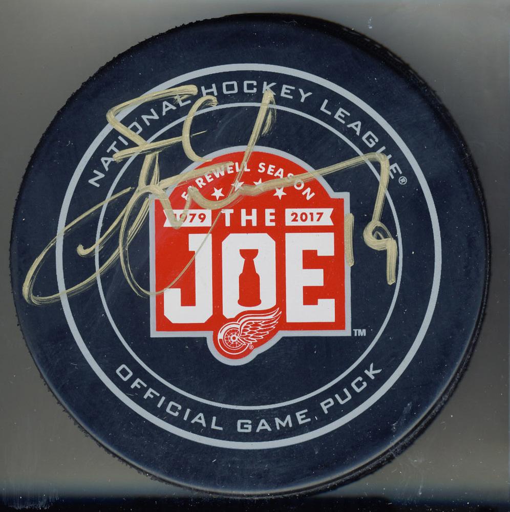 Steve Yzerman Detroit Red Wings Signed Joe Louis Arena Last Season Game Puck *Autograph Slightly Streaky*