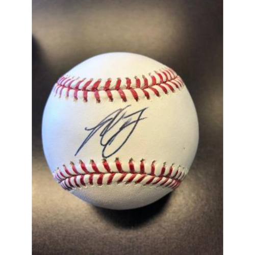 Photo of Giants Wives Auction: Madison Bumgarner Autographed Baseball